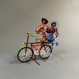Couple ride Sculpted wire